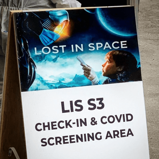 Lost in Space Temporada 3 Covid Sign