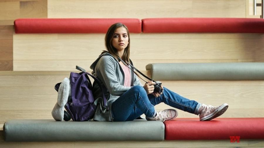 doce garota está chegando ao netflix em agosto de 2021 Isabela Merced