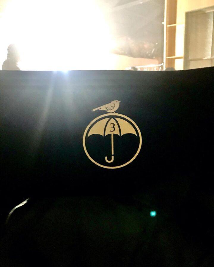 as filmagens começam a terceira temporada da academia guarda-chuva
