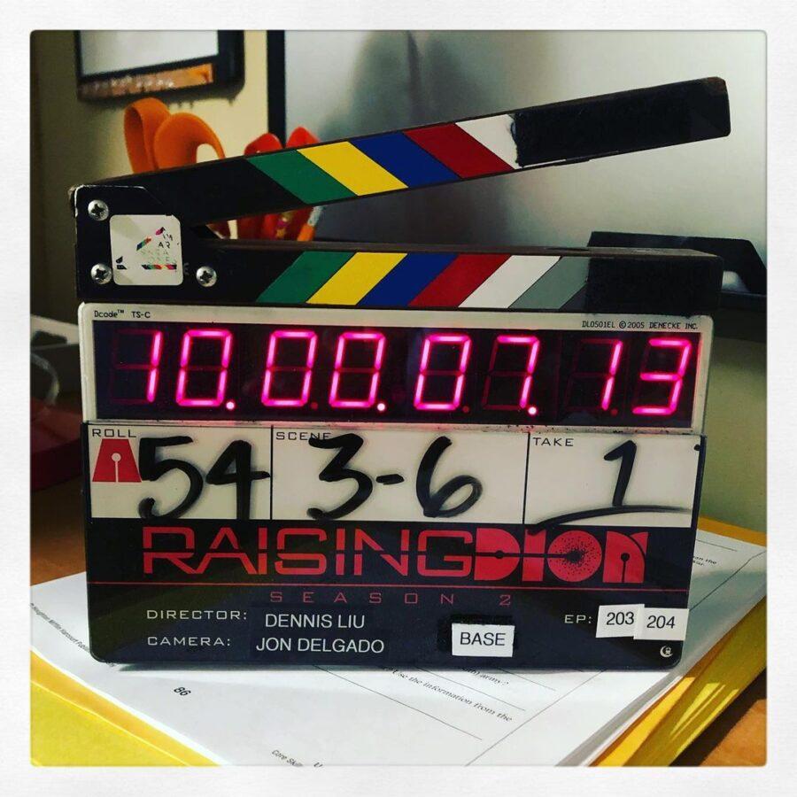 Raising Dion Clap Board - 2ª temporada